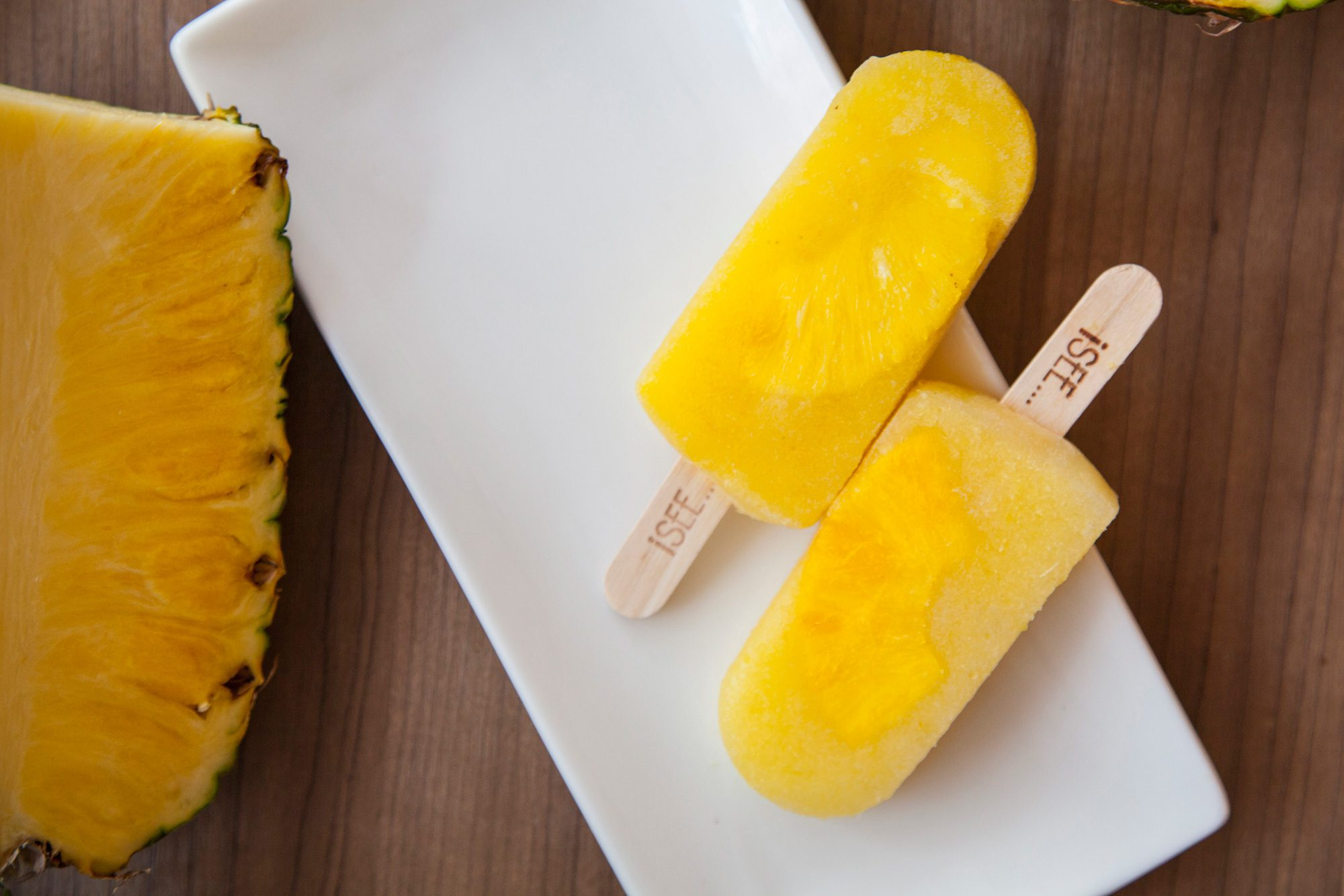 I-SEE-i-SEE-Ice-Pops---Straight-Up-Pineapple(2)