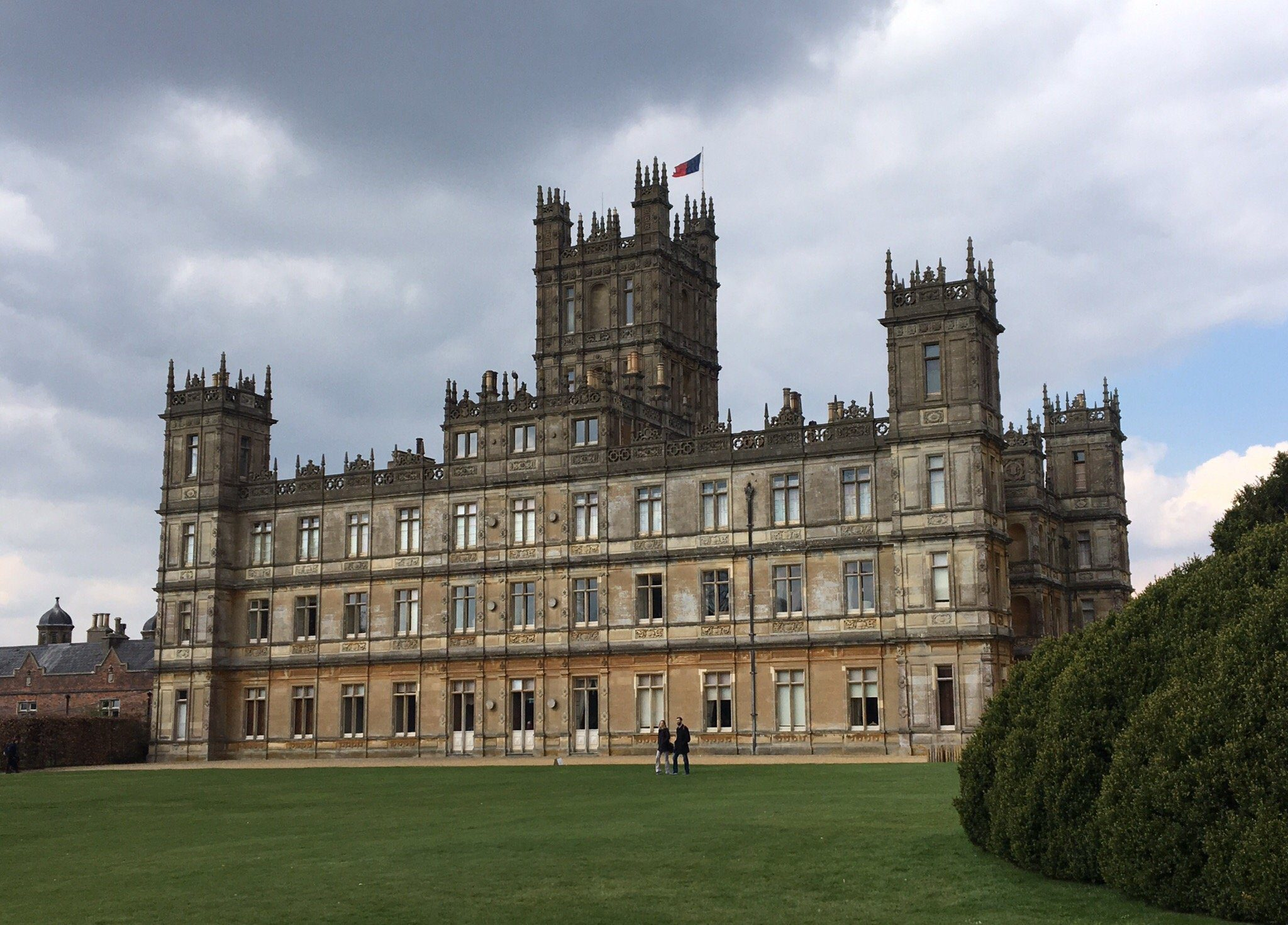 Small Group Tour Downton Abbey and Village Tour of Locations from London